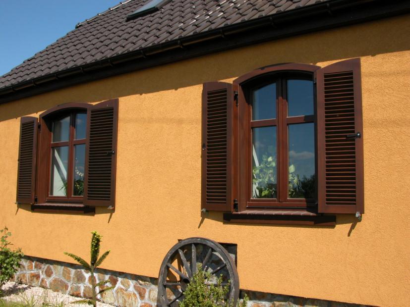 Fensterl den aus holz holzt ren aus polen - Fensterladen aus polen ...